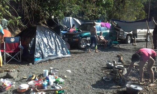 Los manifestantes montaron un campamento muy cerca del borde del Parque Nacional Corcovado.