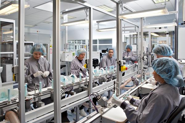 En las ventas de bienes resalta la colocación de dispositivos médicos que representan 31% del total de las exportaciones de bienes. Foto: www.coloplast.com/press/