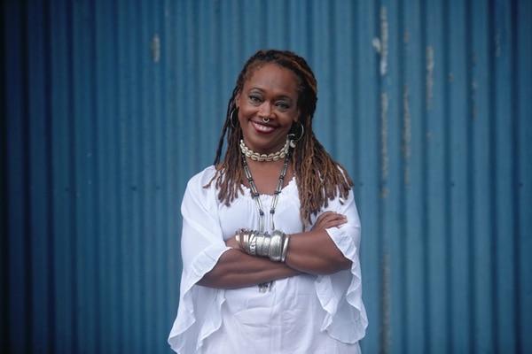 16/15/2019/ retratos de la escritora Shirley Campbell en el marco de LA FERIA INTERNACIONAL DEL LIBRO / Fotografía: JOHN DURAN