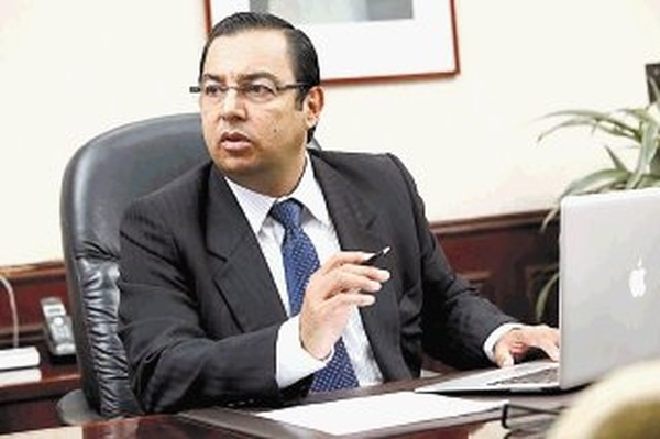 Francisco Jiménez, exministro de Transportes, fue destituido del cargo el 4 de mayo luego de que él mismo denunció en el Ministerio Público el supuesto pago de dádivas a dos funcionarios del Conavi en la trocha. | ARCHIVO