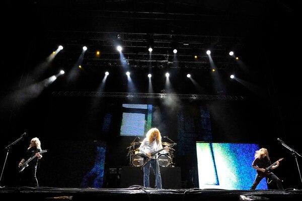 Para cerrar su presentación, Megadeth interpretó Peace Sells y Holy Wars.