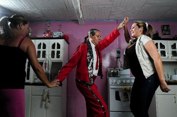 Carlos Moreira, más conocido como Gringo, será uno de los bailarines que viajará con La Cuna del Swing. ArchivoLa vieja guardia.