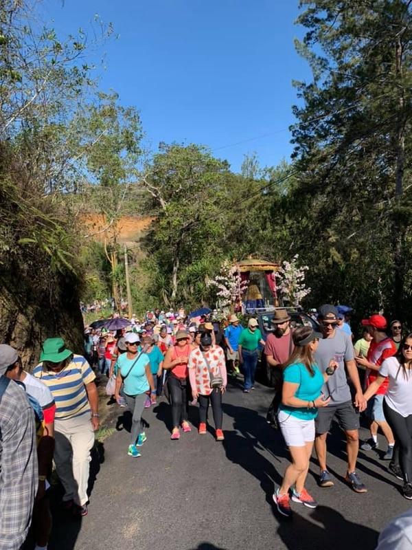Cánticos, oraciones y altares adornaron el recorrido. Fotografias: tomadas del Facebook de Santuario de Nuestra señora de Ujarrás.