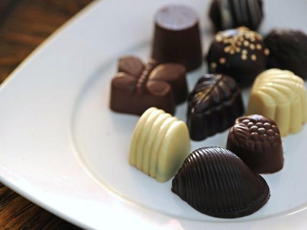 Los chocolates son consumidos por algunas personas en situaciones de estrés. Foto: Albert Marín/Archivo