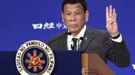 Presidente de Filipinas dice que era gay pero 'se curó' con mujeres hermosas y levanta indignación