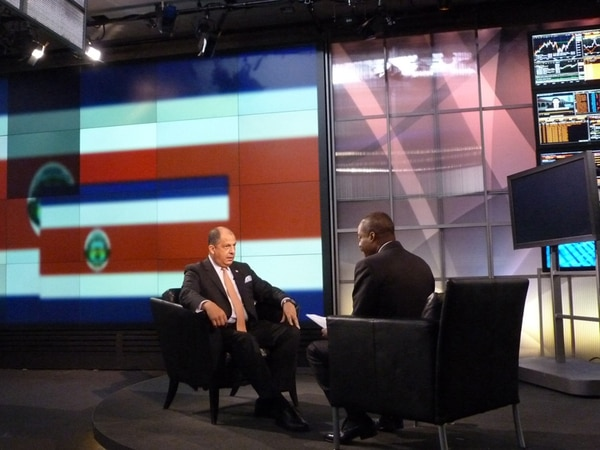 El presidente Luis Guillermo Solís ofreció una entrevista ayer a la compañía de noticias financieras y económicas, Bloomberg , en Nueva York. Durante su gira por Estados Unidos, el mandatario también ha aprovechado para hablar con varios medios de comunicación. Ayer, por ejemplo, también asistió a una cita con CNN. | CORTESÍA DE CINDE.