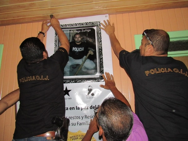 50 agentes rindieron homenaje a compañero fallecido en curso