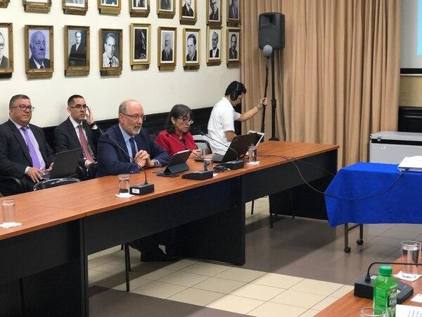 El exrector de la UCR, Henning Jensen, compareció en noviembre del año pasado ante la Comisión que investiga el uso del FEES. Foto: Cortesía Asamblea Legislativa
