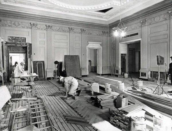 Trabajos de remodelación ordenados por Harry Truman (1945-1953). La casa tomó nueva vida en esa época, pues se encontraba en muy malas condiciones. Foto: Wikicommons