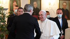 Papa Francisco pide a los húngaros ser 'abiertos' a los demás