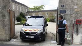 Autor de incendio de catedral de Nantes figura como sospechoso de asesinato de sacerdote