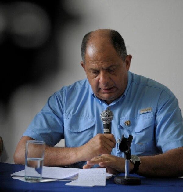 El Congreso le pide acciones fiscales a Luis Guillermo Solís.   LN