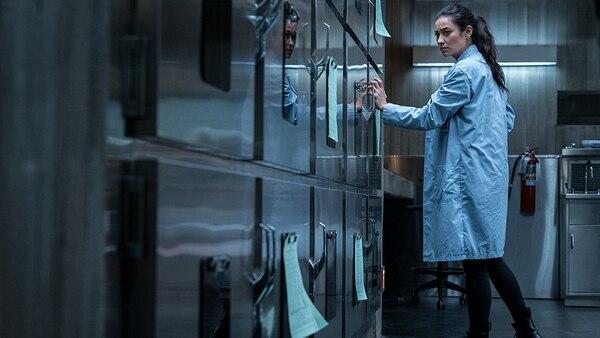 La actriz Shay Mitchell, como Megan, es la protagonista de Cadáver. Cortesía de Discine