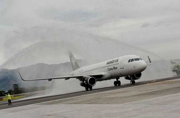 Volaris Costa Rica por medio de su empresa Vuela Aviación S. A. recibió el certificado de operador aéreo por parte de Aviación Civil a finales del 2016.