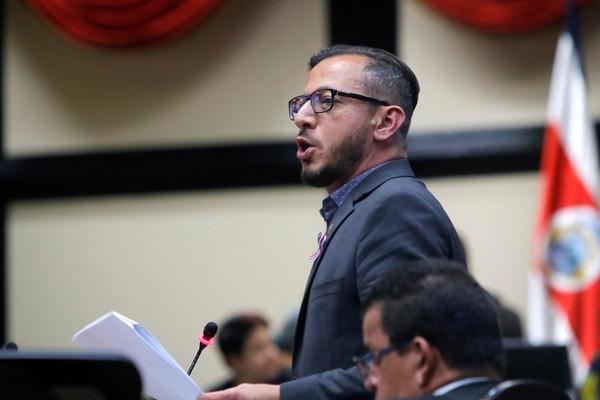 Enrique Sánchez, del Partido Acción Ciudadana (PAC) y presidente de la Comisión de Derechos Humanos, afirmó que la iniciativa era discriminatoria. Foto: Mayela López