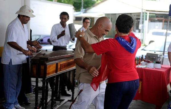 La marimba convocó al baile a pamperos en la celebración del 25 de julio, en Nicoya.