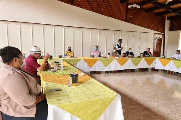 Gobiernos locales de Limón piden más apoyo al gobierno ante aumento de casos de covid-19. Foto cortesía de la UNGL .