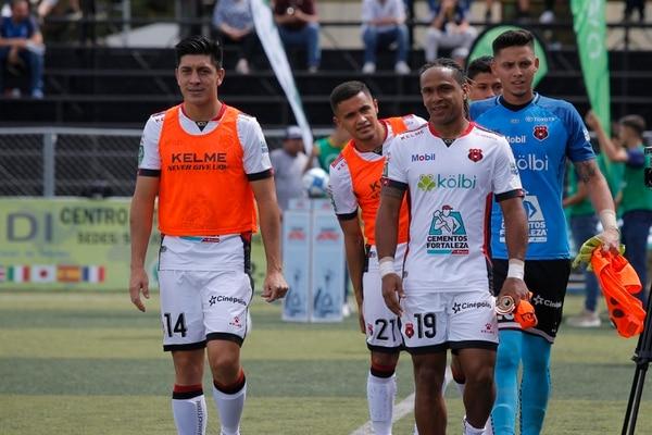 Christopher Meneses, Jonathan McDonald, Róger Rojas y Keilor Díaz estuvieron en la suplencia. Foto: Mayela López