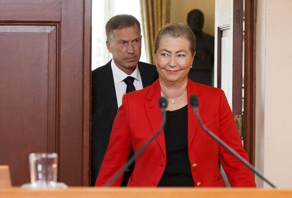 Kaci Kullman Five, nueva directora del Comité del Premio Nobel de la Paz noruego, anuncia que el Cuarteto para el Diálogo Nacional en Túnez ha ganado el premio Nobel de la Paz 2015, durante una rueda de prensa celebrada en Oslo