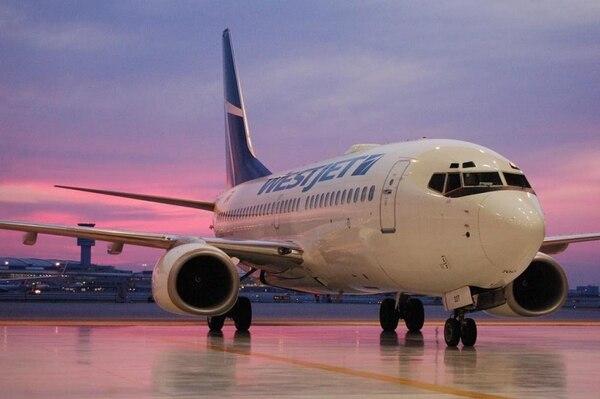 La aerolínea canadiense realizará los nuevos vuelos de manera temporal, para aprovechar la temporada alta del verano en Costa Rica.