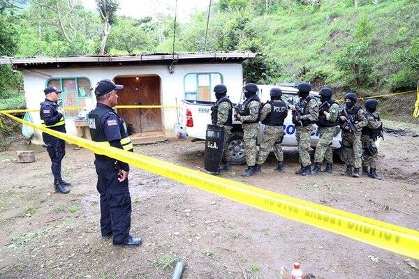 Esta vivienda localizada en Cataratas de Santa María de Dota fue allanada ayer por las autoridades. Ahí encontraron un cuchillo y ropa con aparentes manchas de sangre. | MINISTERIO DE SEGURIDAD PÚBLICA