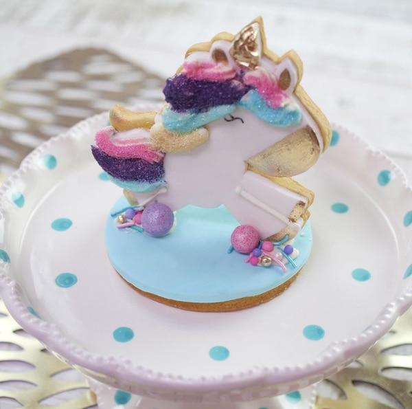 Galletas y queques llenos de creatividad se pueden degustar en el local, pedir para llevar o encargar para su evento especial en Golden Sugar.