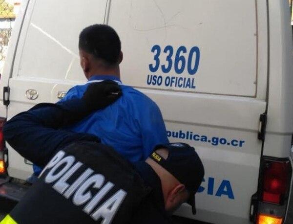 El sujeto sospechoso de protagonizar la balacera fue aprehendido por la Policía en vía pública de Concepción. Foto: Ministerio de Seguridad Pública