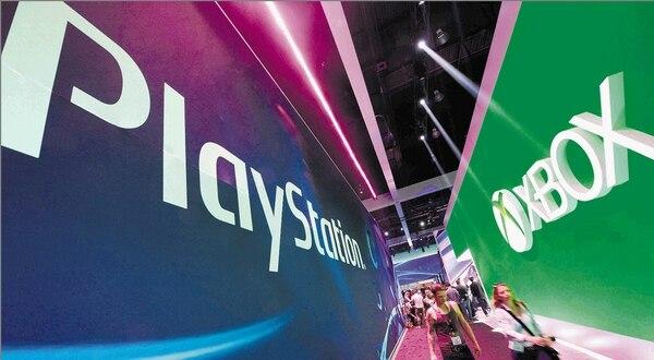 En la Convención Mundial de Videojuegos E3, realizada la semana anterior en Los Ángeles, las áeras feriales de Sony y Microsoft quedaron enfrentadas.