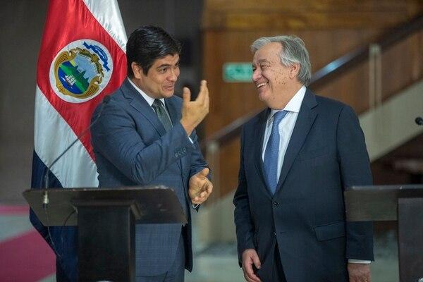 El mandatario, Carlos Alvarado, recibió esta tarde en Casa Presidencial al secretario general de la ONU, António Guterres. Fotografía de José Cordero.