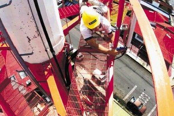 Las torres celulares han tenido problemas en varios cantones. | ARCHIVO