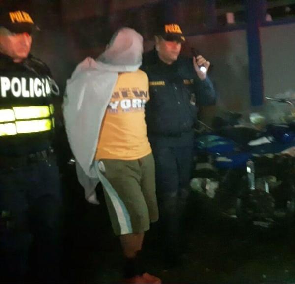 El sospechoso fue detenido por la Fuerza Püblica el lunes 26 de setiembre del 2016 en Guayabo de Mora. Foto archivo LN