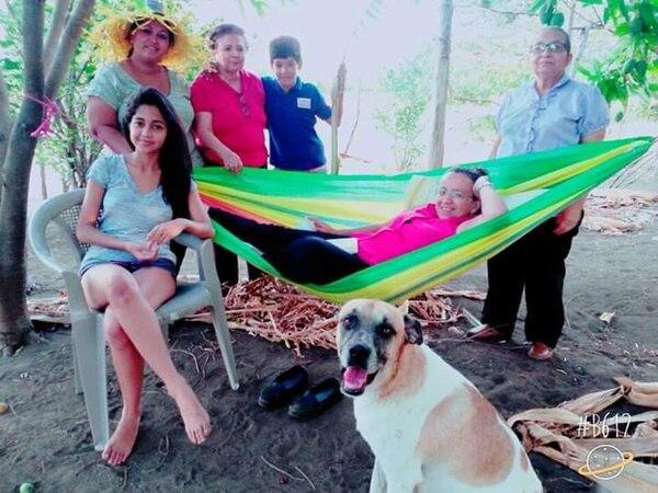 La periodista solía visitar Costa Rica unas tres veces al año, para reunirse con su familia materna, residente en Upala. Foto: Alejandro Ubau para LN.