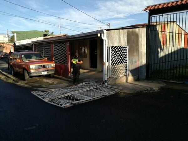 En Tibás se detuvo a policía de Migración que ayudaba al grupo criminal.