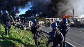 Franceses se dividen respecto a apoyo a las protestas de los 'chalecos amarillos'
