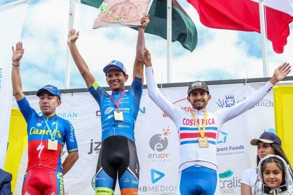 Daniel Bonilla terminó en el tercer lugar del día en la Vuelta a Chiloé. Fotografía: Franco Xavier Videla | Prensa Vuelta a Chiloé