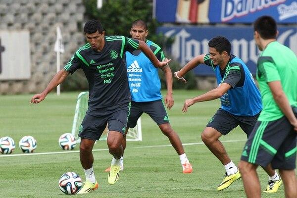 La selección de México arrancó sus entrenamientos de cara al Mundial de Brasil 2014 con nueve jugadores.