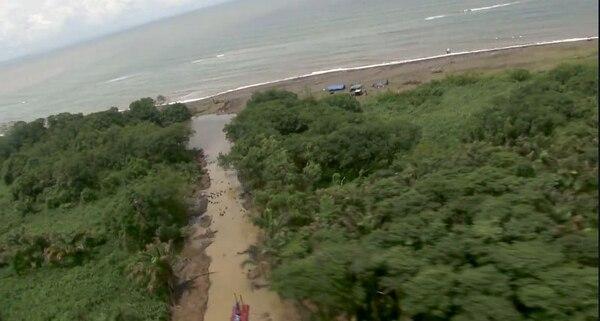 Según los reclamos de Costa Rica, los caños se abrieron en isla Calero, territorio tico, con el fin de darle al río San Juan una salida directa al mar. Las imágenes fueron capturadas en setiembre. | CORTESÍA MINISTERIO DE SEGURIDAD PÚBLICA.