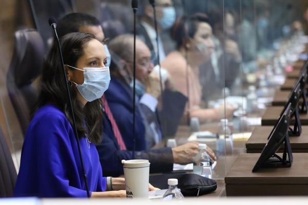 La diputada del Partido Acción Ciudadana, Carolina Hidalgo Herrera, envió un oficio al MOPT en el que pide una serie de documentos sobre el proceso de renovación de concesiones de autobús.