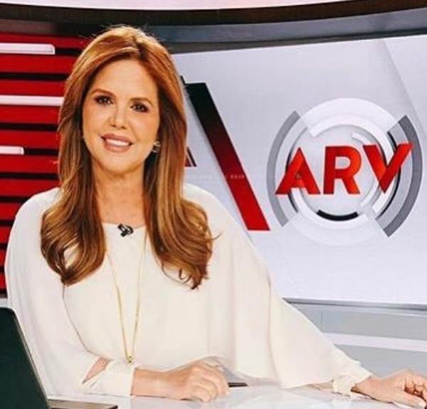 María Celeste se despide de la pantalla de Telemundo. Ella trabajó en esa cadena por 20 años. Foto: captura de pantalla LN