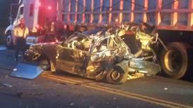 Aparatoso accidente deja un fallecido y dos heridos en la ruta 27