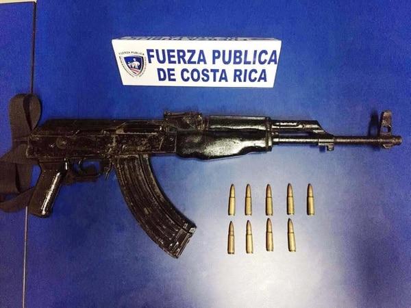 Este tipo de arma está prohibida para civiles en nuestro país.