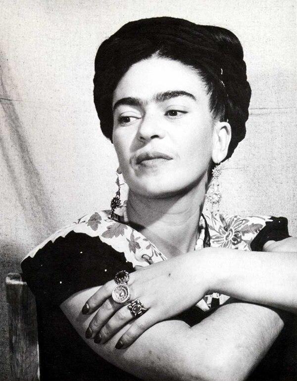 Página Negra de Frida Kahlo: Mazorca triste de pelo negro