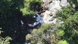 Dos sobrevivientes a caída de avioneta en río Torres salen del hospital