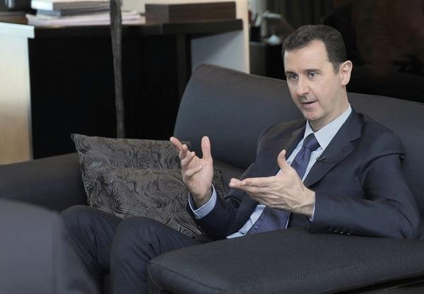 El gobierno del presidente de Siria, Bachar al-Assad, anunció que se defenderá de un eventual ataque departe de Estados Unidos, el cual se prevé para las próximas horas.