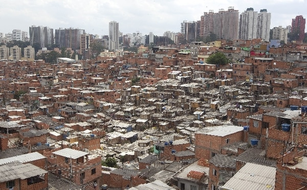 Con 11 millones de habitantes, Sao Pablo es una ciudad de grandes contrastes.   ARCHIVO.