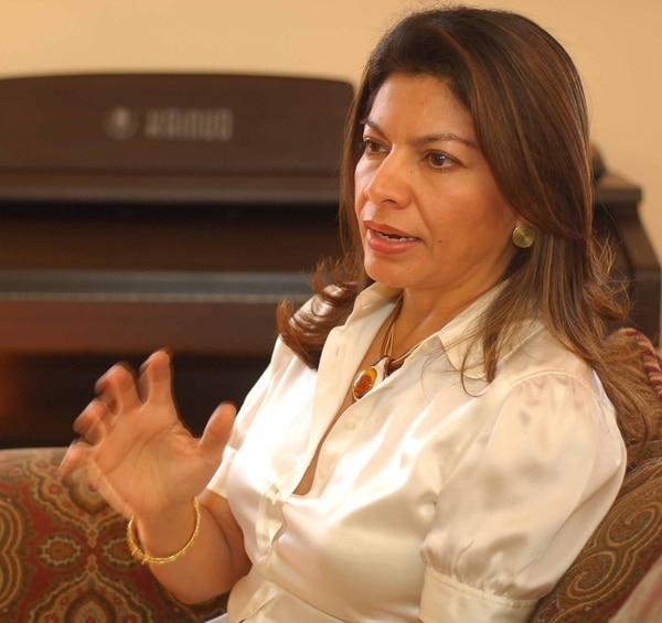 La presidenta Laura Chinchilla anunció que este lunes firmó la ley para reducir el monto de la deuda política. La norma se publicará mañana en La Gaceta, último paso para entrar en vigencia.