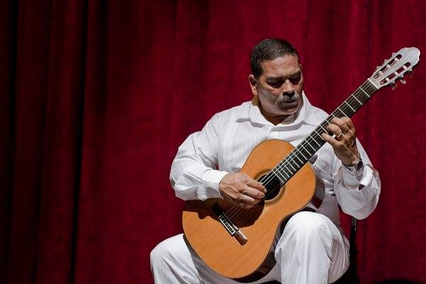 Invitado. Guitarrista Jorge Luis Zamora. Bernabé Jirón para La Nación