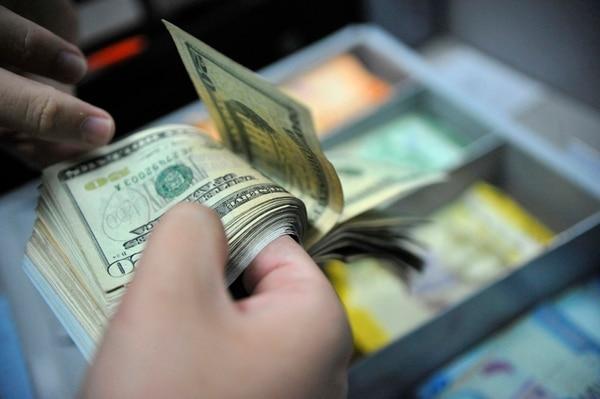 Durante esta semana el precio promedio de la divisa en el Monex aumentó ¢2,23 y terminó este viernes 23 de junio en ¢572,71. | DIANA MÉNDEZ/ARCHIVO