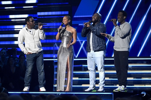 LOS ANGELES, CALIFORNIA - JANUARY 26: Alicia Keys (2nd from L) and Nathan Morris, Wanya Morris, and Shawn Stockman of Boyz II Men perform onstage during the 62nd Annual GRAMMY Awards at Staples Center on January 26, 2020 in Los Angeles, California. Kevork Djansezian/Getty Images/AFP == FOR NEWSPAPERS, INTERNET, TELCOS & TELEVISION USE ONLY==