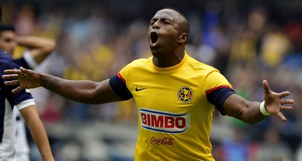 Christian Benítez se consolidó como goleador en la liga mexicana, con el club América. AFP